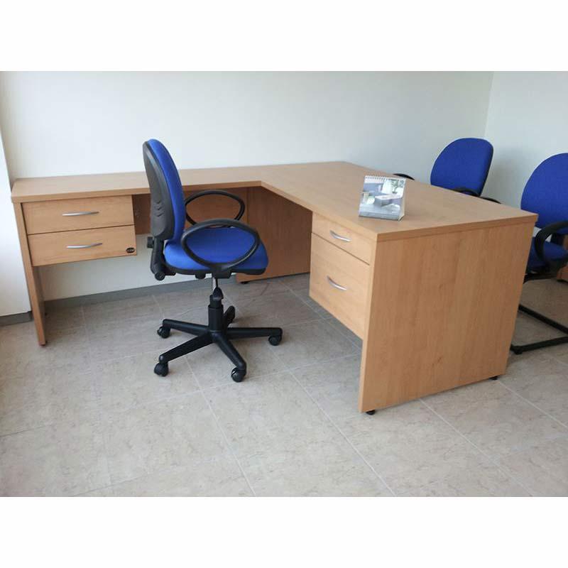 Escritorio operativo en l forte grupo meta soluciones for Muebles de oficina en l