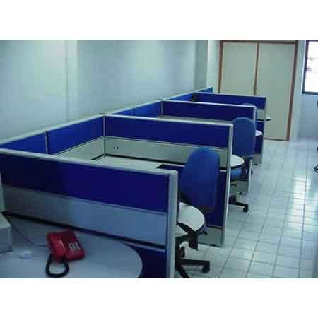 Estacion modular con mamparas en caballerizas verlux for Muebles para oficina mamparas